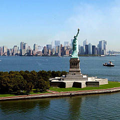 Wide view of the Statue of Liberty